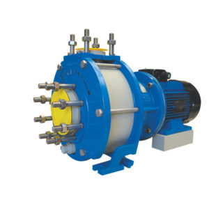 Horizontal close-coupled plastic pump equipped with mechanical seal (ISO 2858)